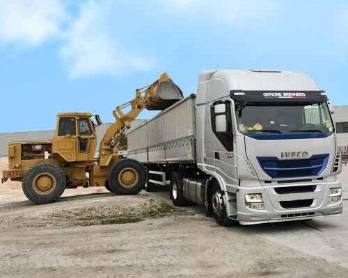 team-job-galleria-camion-ruspa-carica-camion